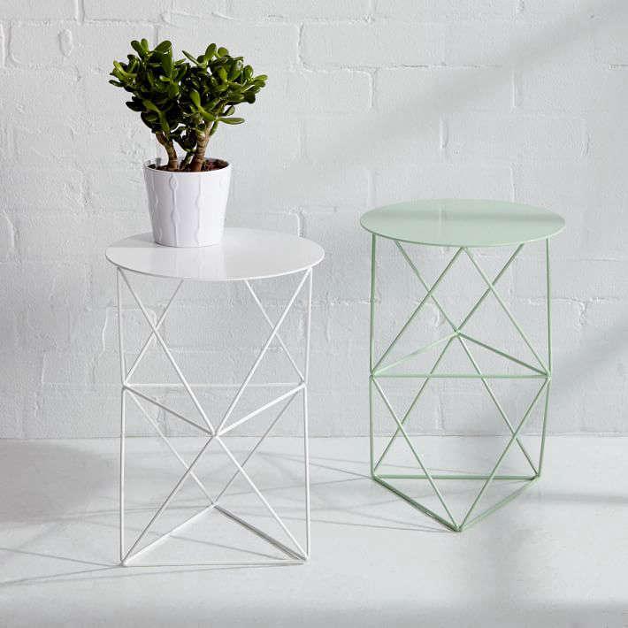 metal-plant-stand-pedestal-gardenista