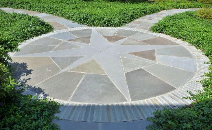 starburst-hardscape-pattern-bluestone-janice-parker-gardenista