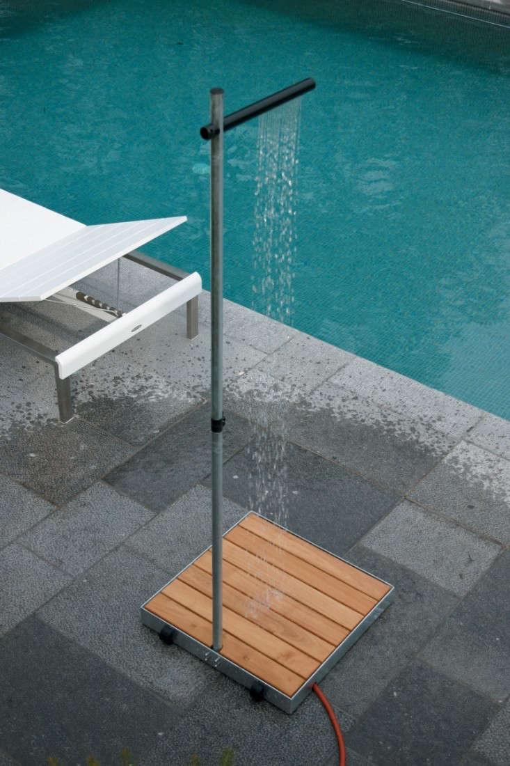 Tradewinds portable outdoor shower