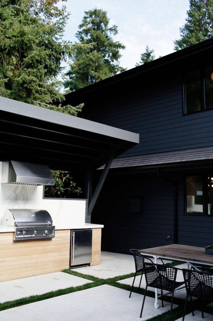 LSDModernScandinavian47_Seatte_Bellevue_outdoor_kitchen_1_gardenista