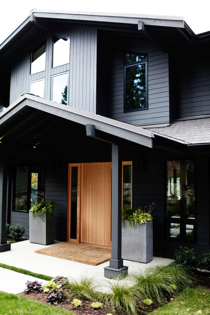 Todd Lozier&#8\2\17;s design-build firm Lochwood Lozierworked with designer Lisa Statonto re-work the interiors of the house, and designer Karen Stefonick came up with plan to re-imagine the landscape.