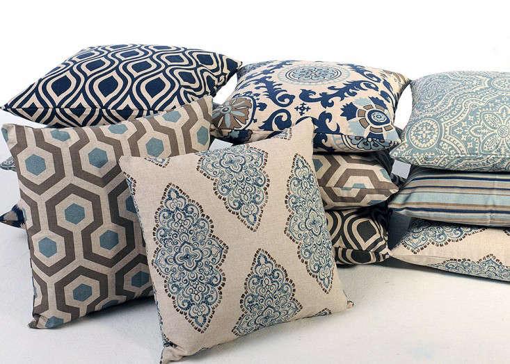 indigo-decorative-throw-pillows-gardenista