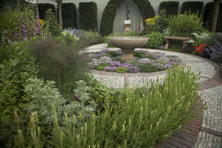 jekka-mcvicar-chelsea-photo-1a-Jim-Powell-gardenista
