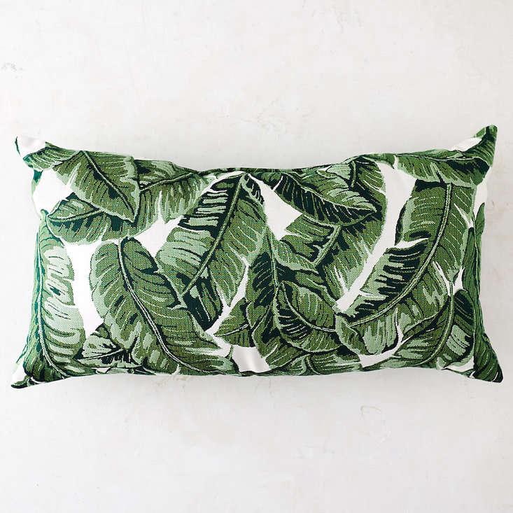 palm-leaf-patio-pillow-terrain-gardenista