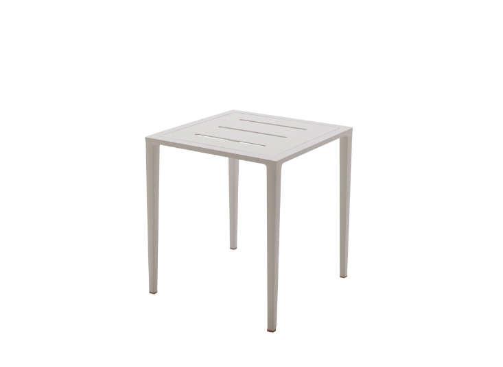 square-white-aluminum-side-table-outdoors-gardensita