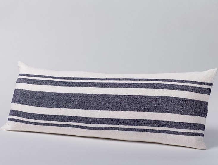 stripe_Pillow__white_indigo_Gardenista_1