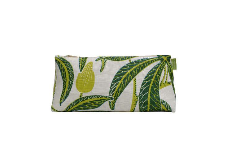 tropical-print-travel-bag-gardenista