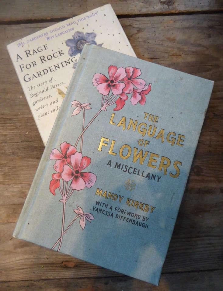 5-Melissa's-Collection-Vintage-Flower-Books-jamjar-gardenista