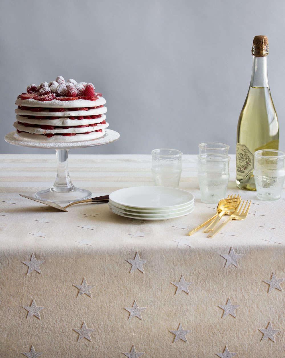 DIY Fourth of July Tablecloth by David Stark | Gardenista