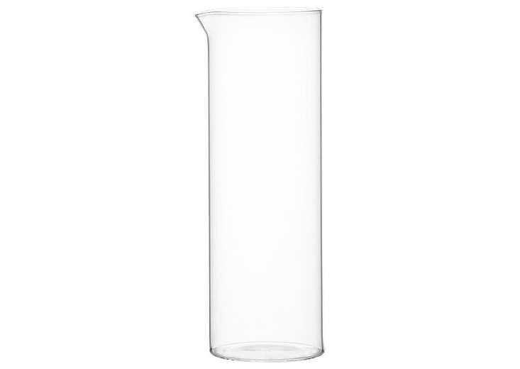 beaker-glass-lemonade-pitcher-gardenista
