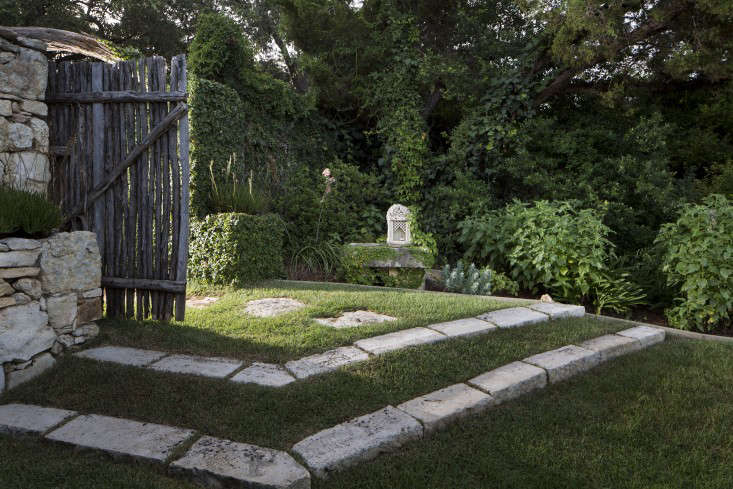 bee-cave-tait-moring-gate-1-gardenista