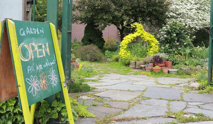 chalkboard_marieviljoen_summit_garden_brooklyn_gardenista