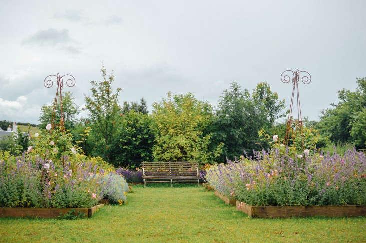 edinburgh-scotland-secret-herb-garden-jen-chillingsworth-gardenista-9