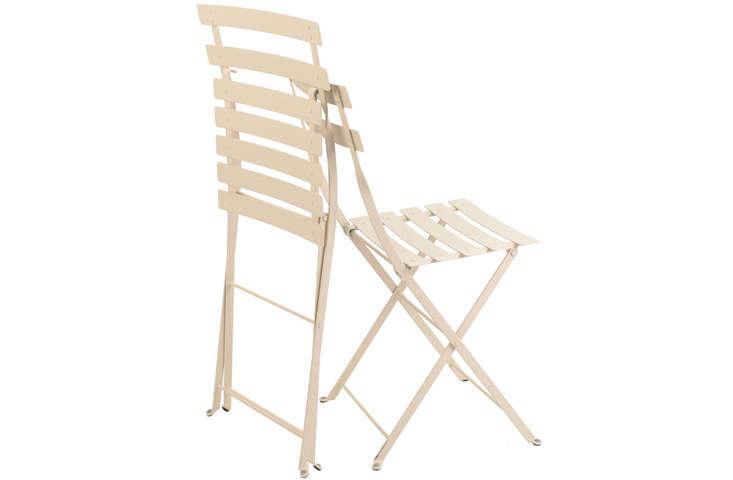 fermob-folding-metal-bistro-chairs-gardenista