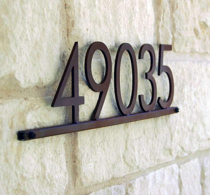 house-number-plaque-modern-gardenista