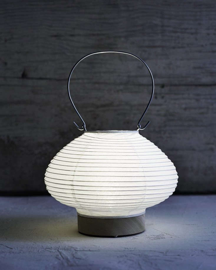 washi-paper-lantern-drop-gardenista