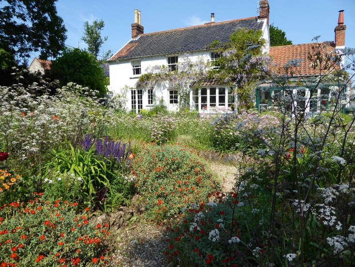 woottens-nursery-garden-beds-Gardenista