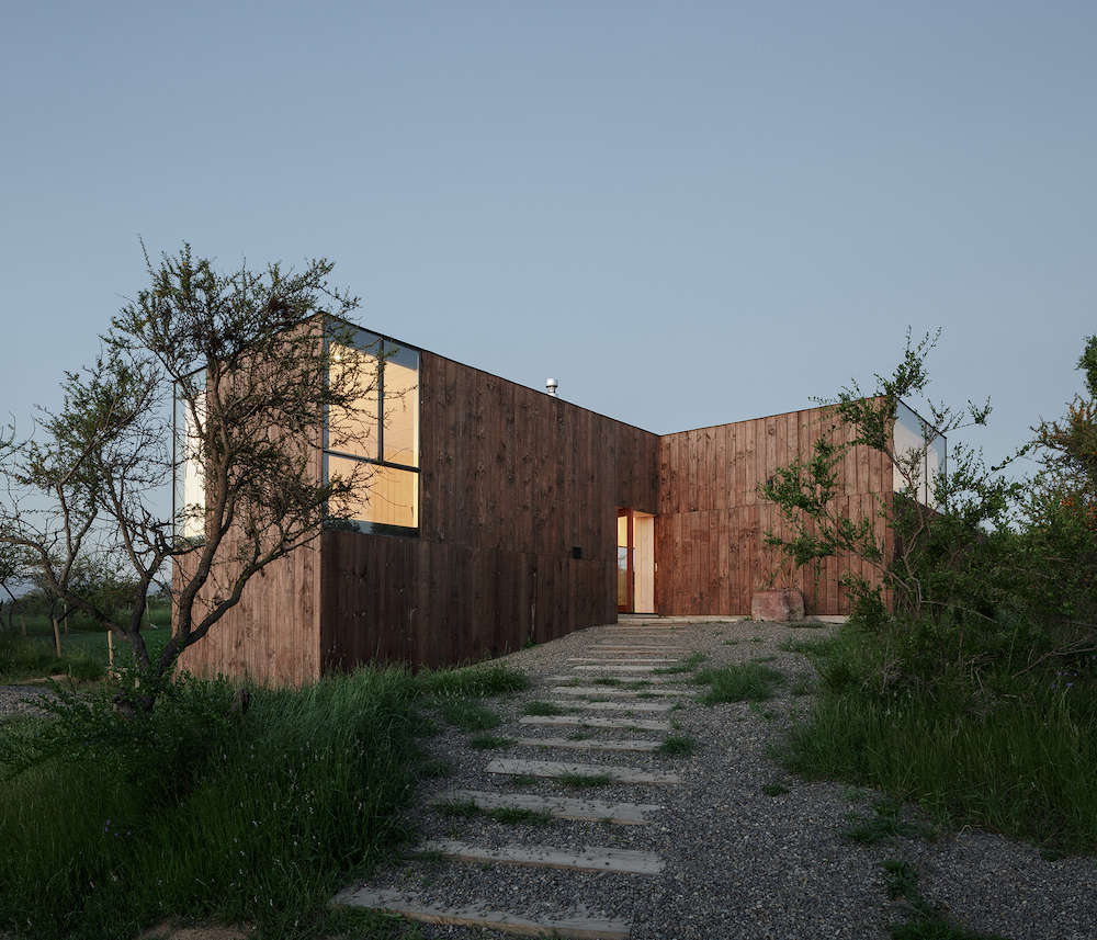 Wood Weekend House in Chile | Gardenista