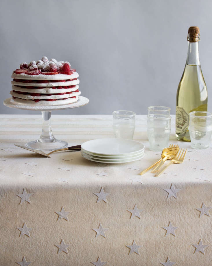 A tasteful and patriotic DIY tablecloth, courtesy of event designer David Stark. Photograph by Corrie Hogg of David Stark Design for Remodelista, from DIY: A Flag-Inspired Fourth of July Tablecloth by David Stark.