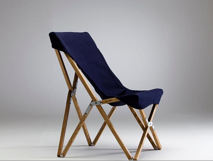 folding-camp-chair-wooden-blue-gardenista