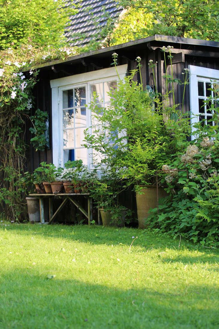 mette-krull-shed-1-gardenista