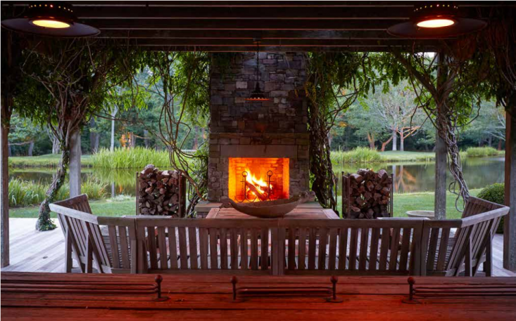 outdoor-fireplace-covered-deck-guesthouse-gardensita