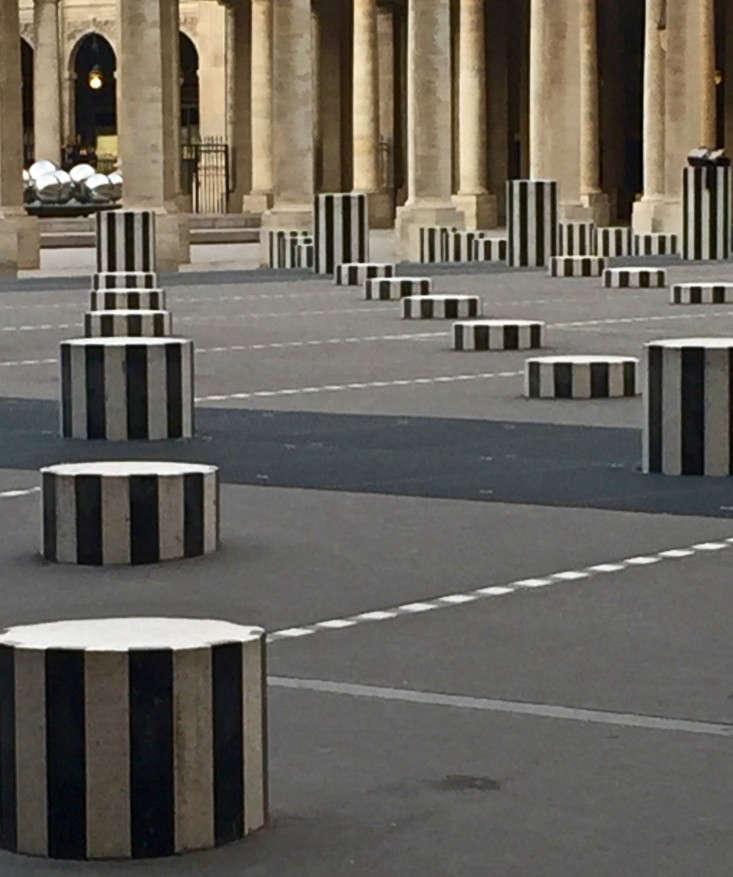 paris-black-white-gardens-palais-royal-gardenista