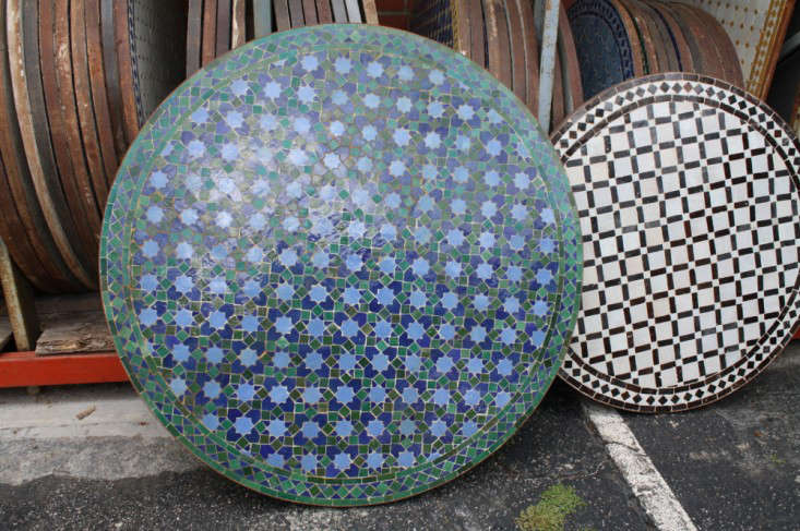 round-mosaic-tile-coffee-tables-gardenista