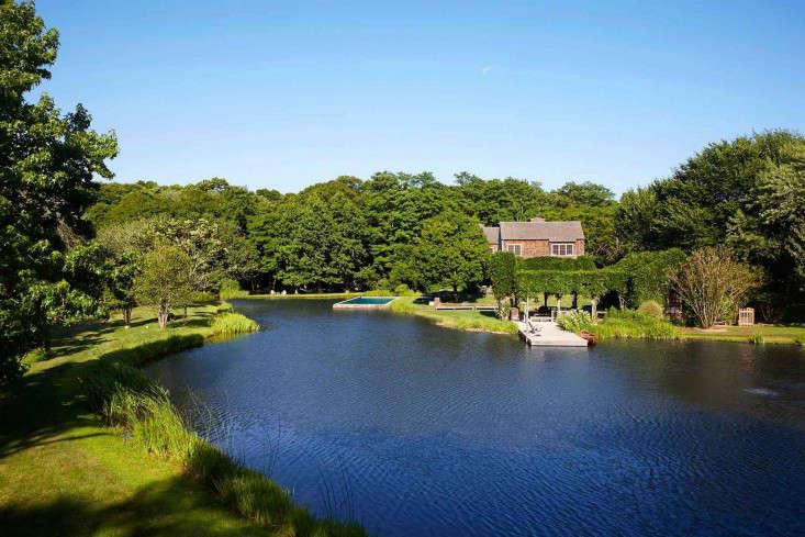 scott-mitchell-bridgehampton-landscape-garden-pond-pool-dock-gardenista