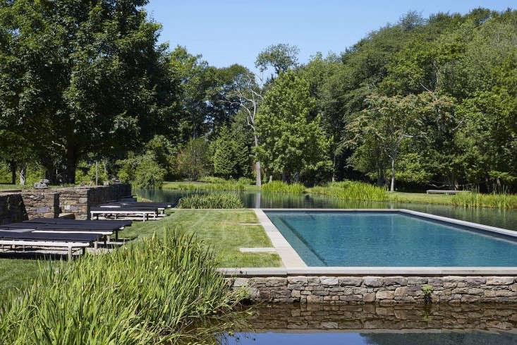 swimming-pool-dry-stack-pennsylvania-bluestone-gardenista