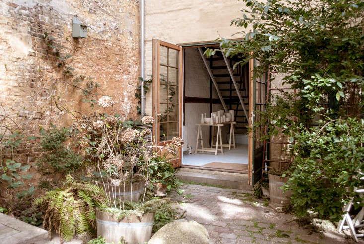 tortus-studio-copenhagen-brick-wall-gutters-french-doors-stoop-gardenista