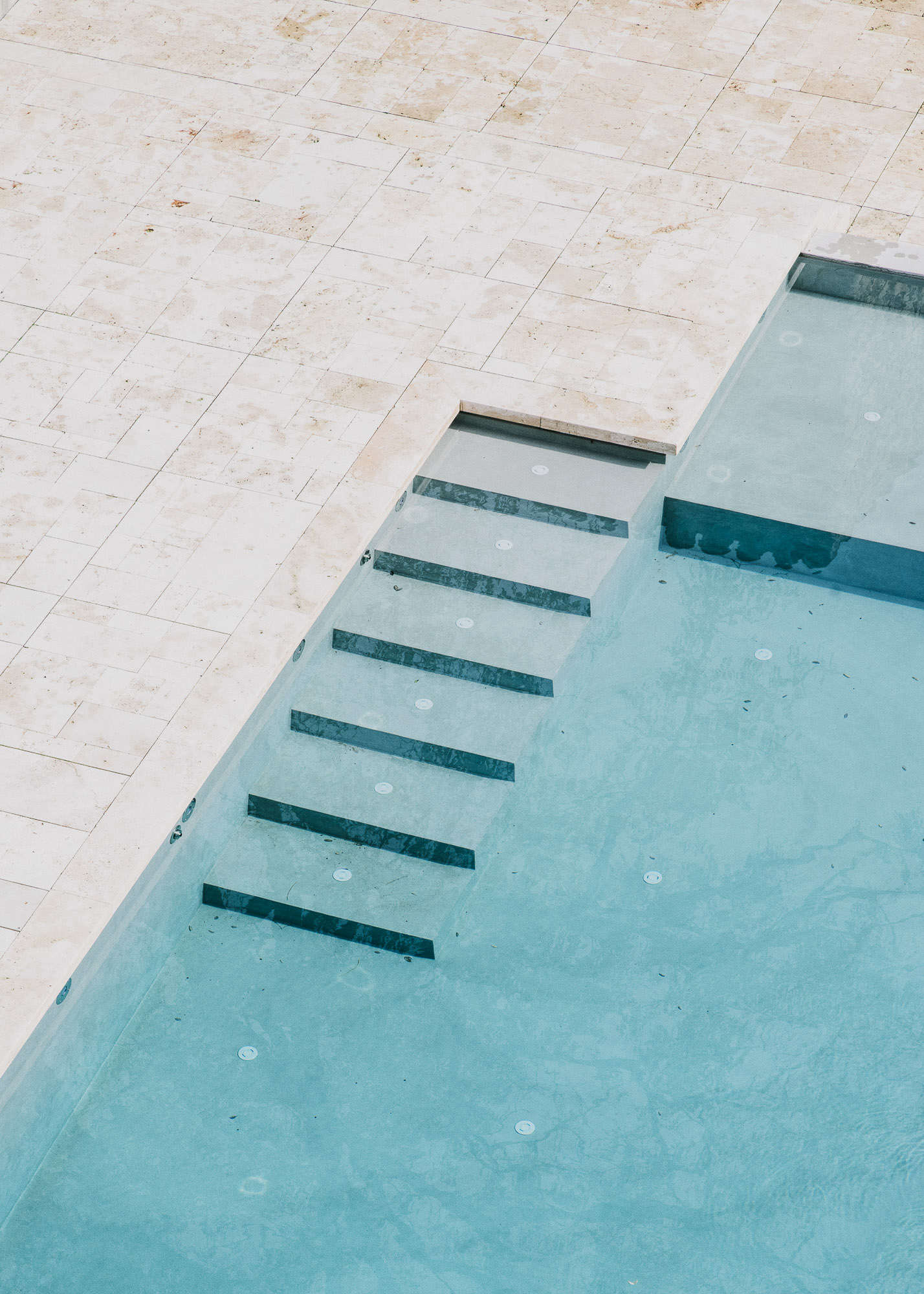 Castell-de-peratallada-pool-gardenista-7