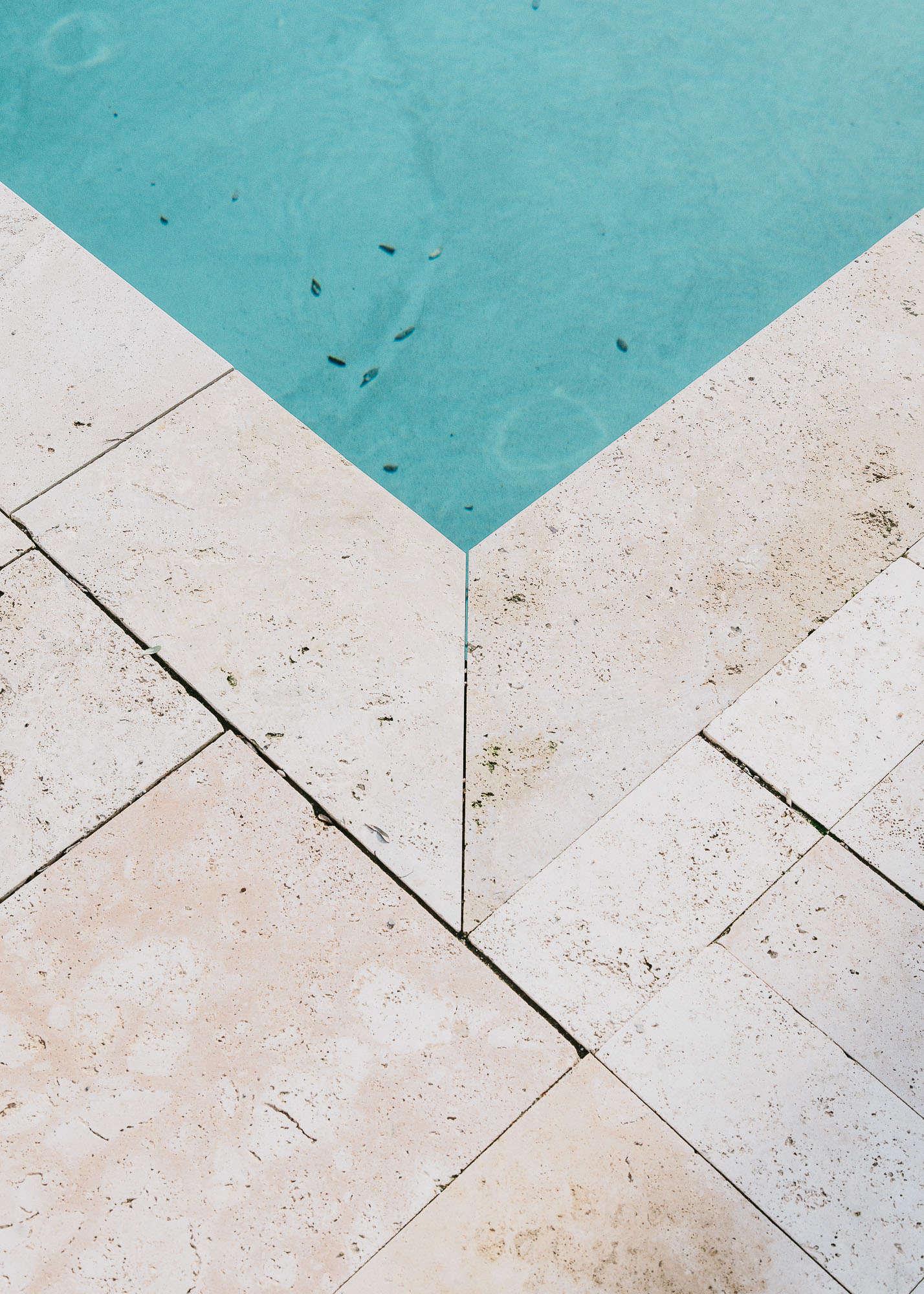 Castell-de-peratallada-pool-gardenista-9