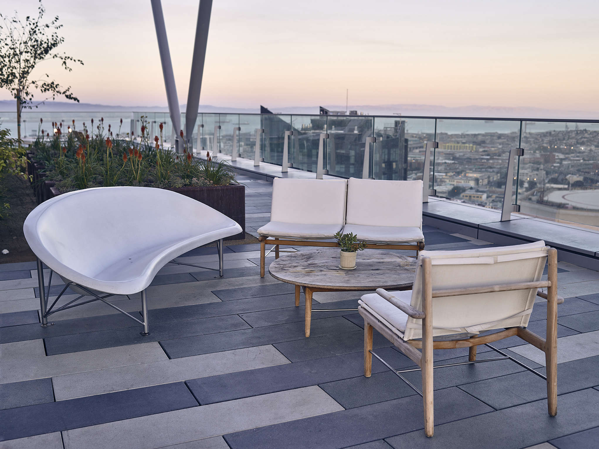 Galanter & Jones Heated Outdoor Furniture | Gardenista