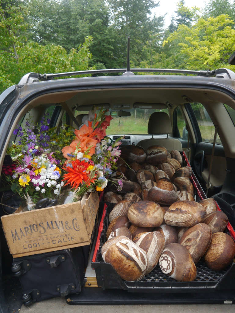 Honey Grove bread and flowers for the market, Gardenista by Sylvia Linsteadt