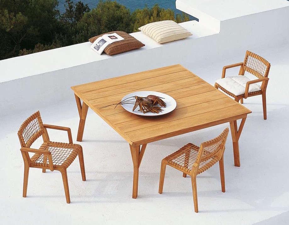 Teak Outdoor Furniture Synthesis from Unopiu / Serene from Henry Hall | Gardenista