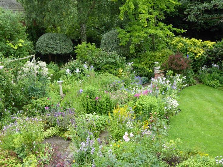 aerial-view-sally-french-garden-lawn-gardenista