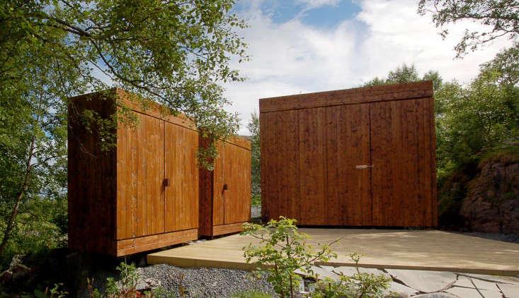 garden-tool-shed-rever-drage-2-gardenista
