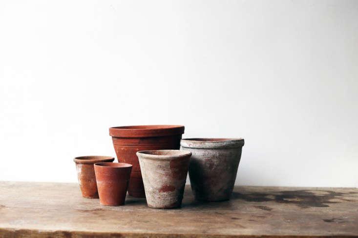 vintage-terra-cotta-terracotta-pots-gardenista