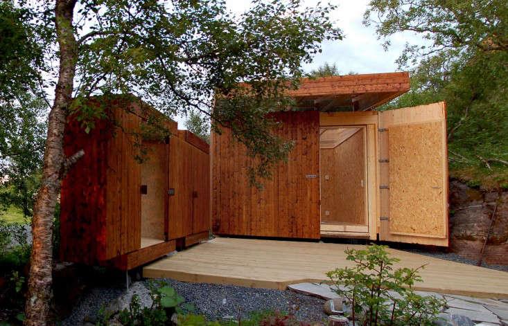 wooden-garden-shed-rever-drage-3-gardenista