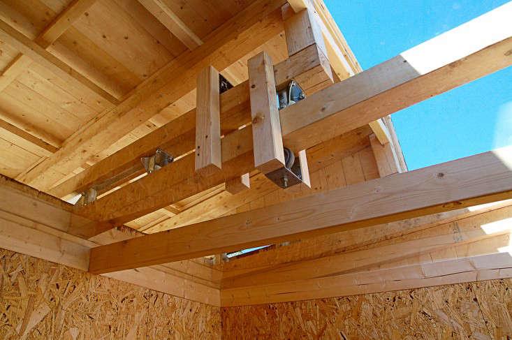 wooden-shed-roof-overhang-rever-drage-gardenista