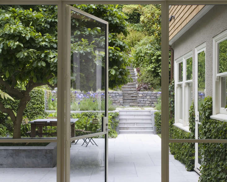 A bluestone patio. Photograph courtesy of Scott Lewis Landscape Architecture, from Landscape Architect Visit: Scott Lewis Turns A Small SF Backyard Into an Urban Oasis.