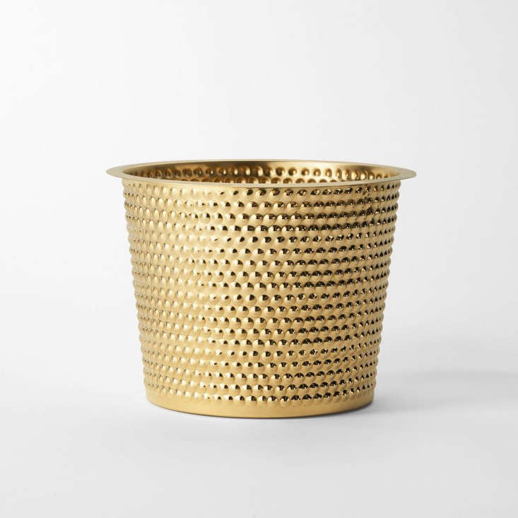 brass-hortus-planter-gardenista-1