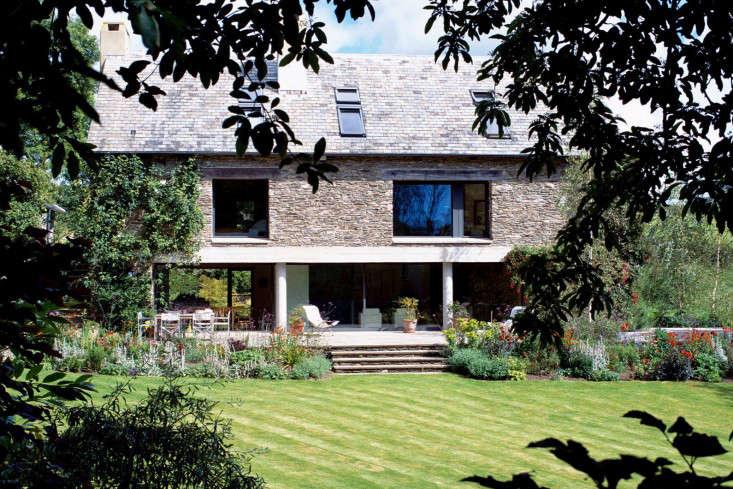 washbourne-devon-mclean-quinlan-modern-house-lawn-gardenista
