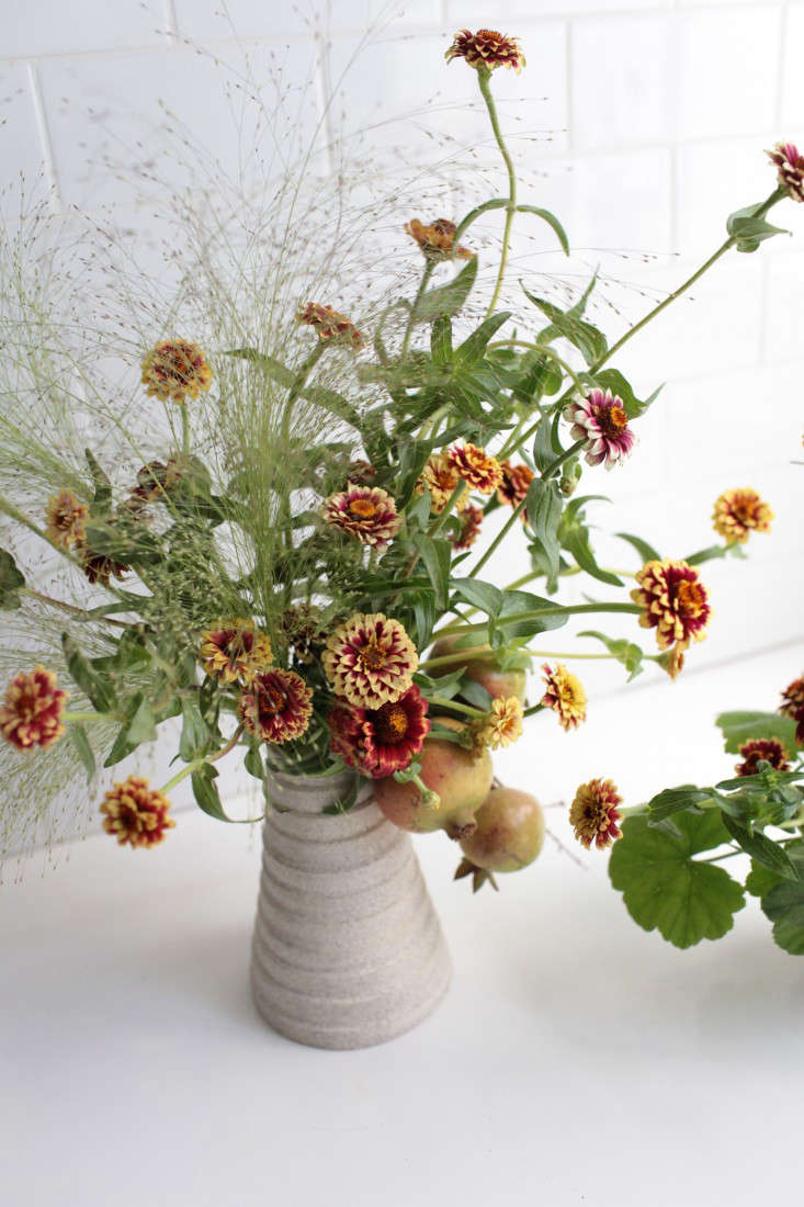 In the arrangement, Sophia paired &#8\2\16;Persian Carpet&#8\2\17; zinnias with explosion grass and pelargoniums.