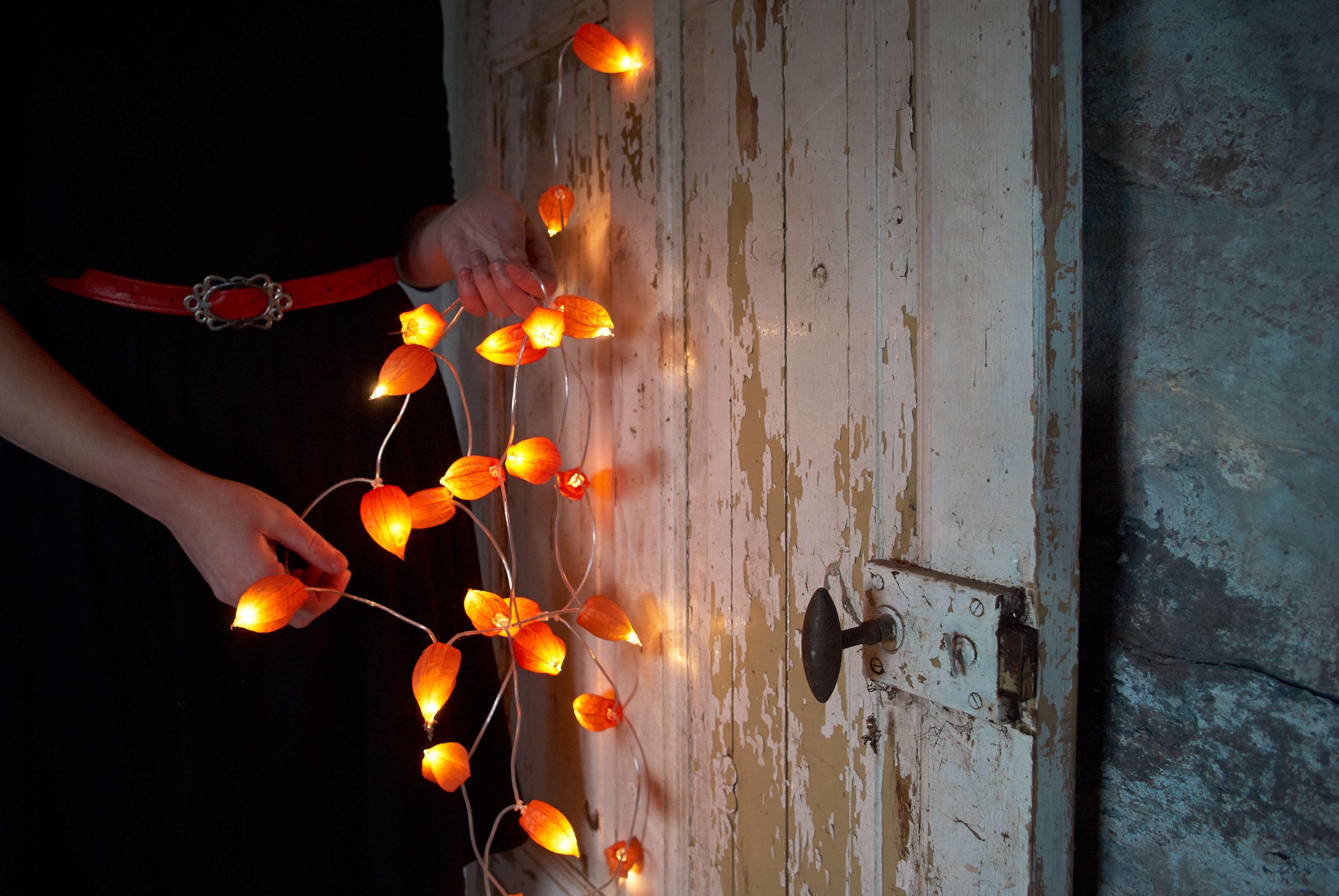 DIY Halloween Decor Japanese Lantern Lights by Notes from Bjorkasa 4