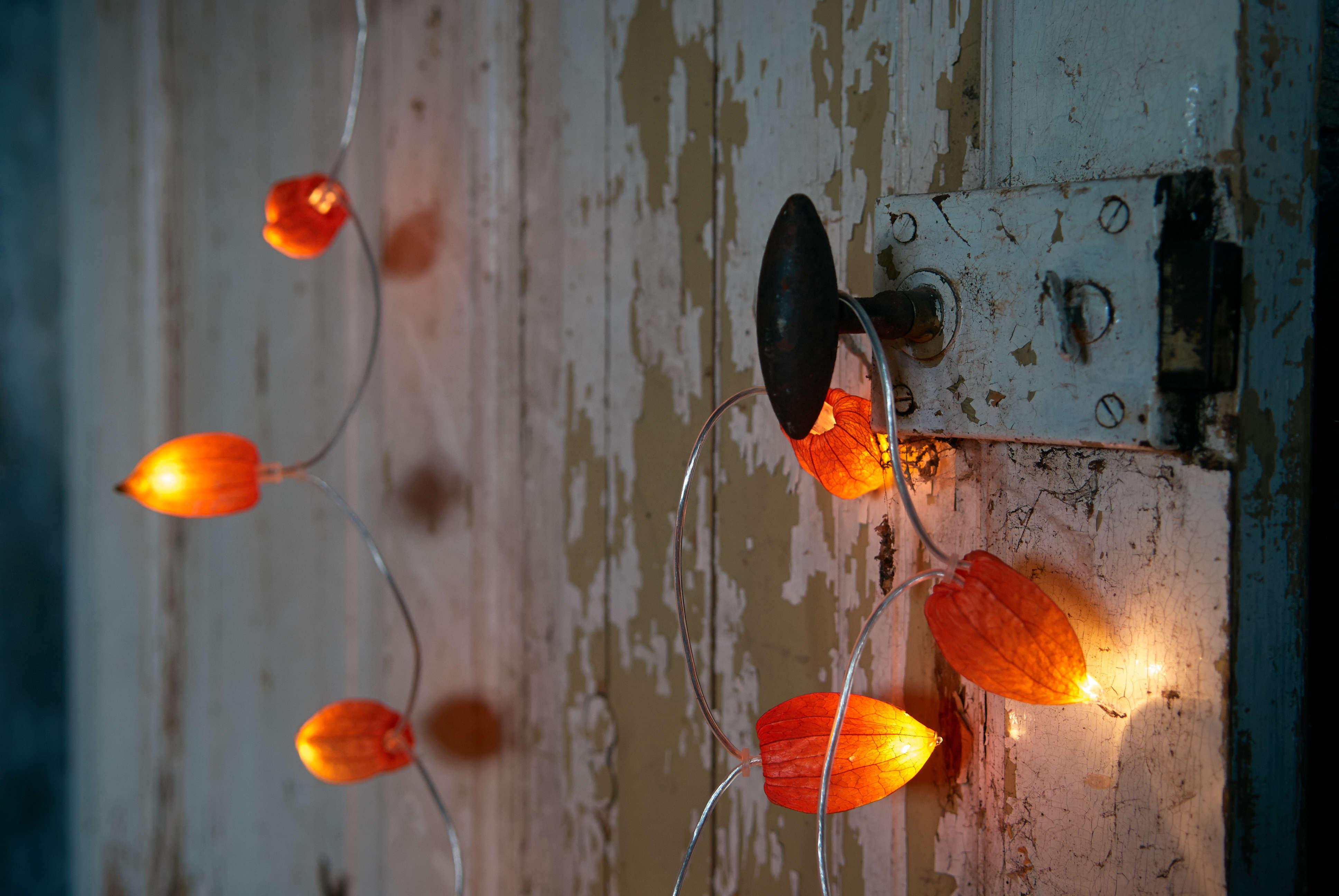 DIY Halloween Decor Japanese Lantern Lights by Notes from Bjorkasa 5