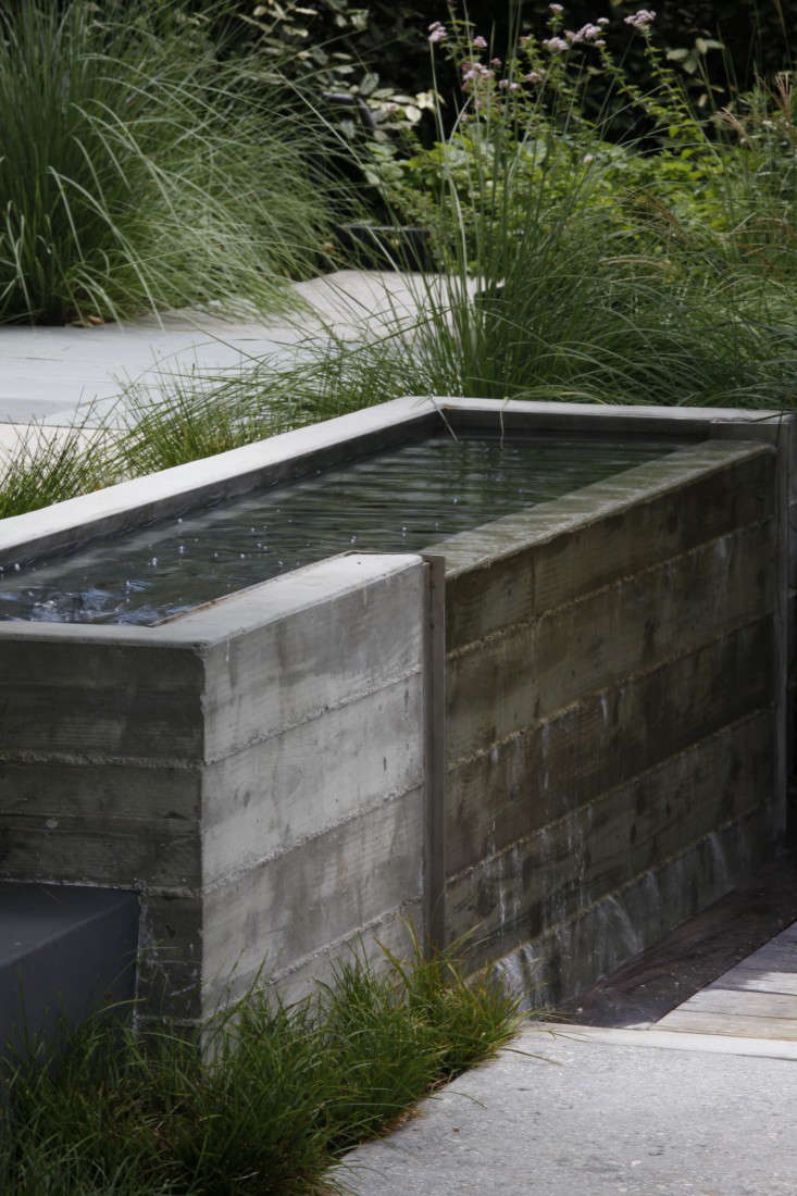Mark-Tessier-pacific-palisades-garden-poured-concrete-fountain