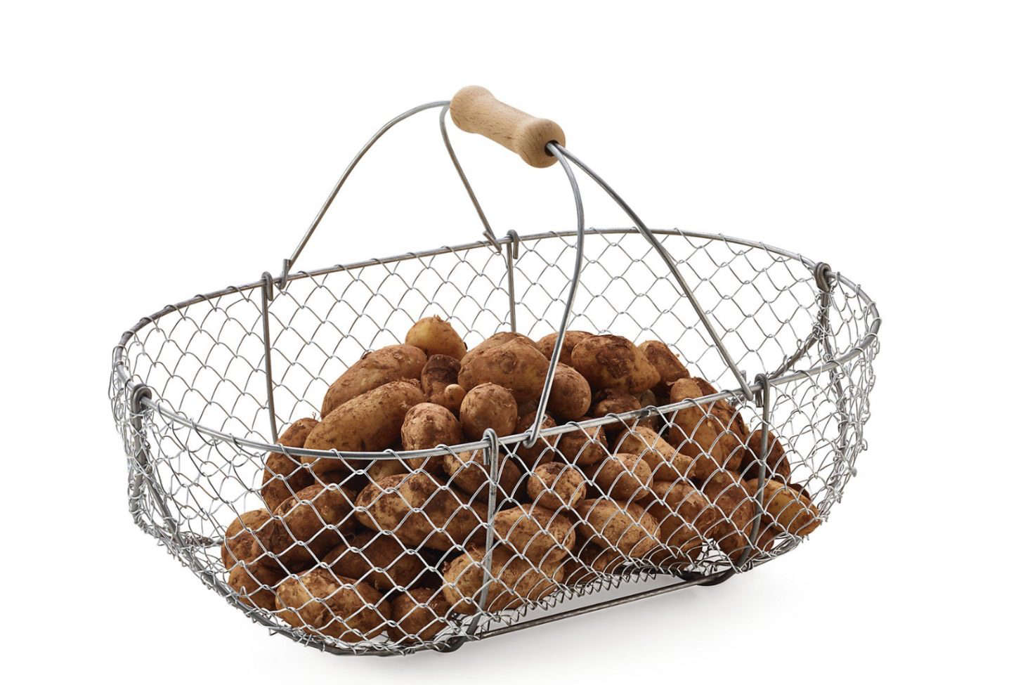 A Braided Wire Basket from Manufactum. Its original purpose was to harvest cider apples in late fall; available in small, medium, and large sizes; €34 to €44.