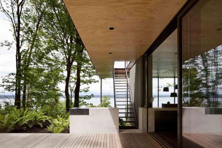 case-inlet-stair
